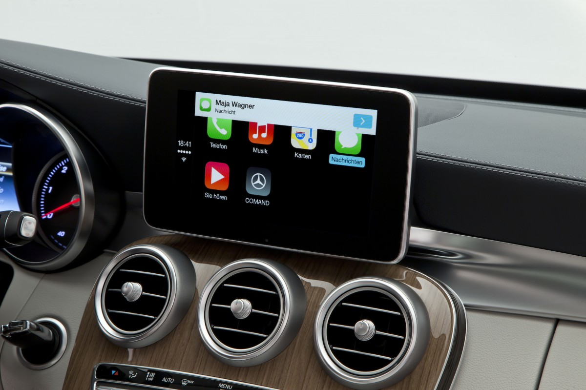 iOS-CarPlay